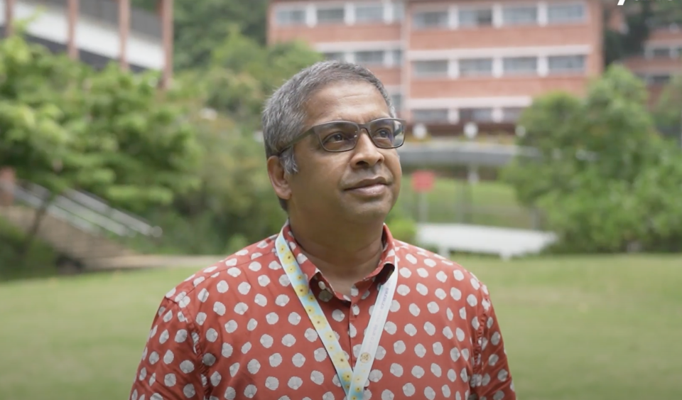 Professor N Sivasothi, a senior lecturer at the Department of Biological Sciences, National University of Singapore (NUS). (PHOTO: Yahoo TV Southeast Asia)