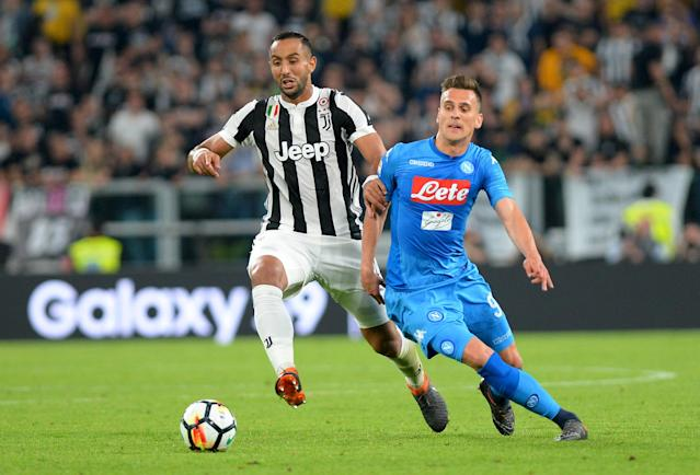 Soccer Football - Serie A - Juventus v Napoli - Allianz Stadium, Turin, Italy - April 22, 2018 Napoli's Arkadiusz Milik in action with Juventus' Medhi Benatia REUTERS/Massimo Pinca
