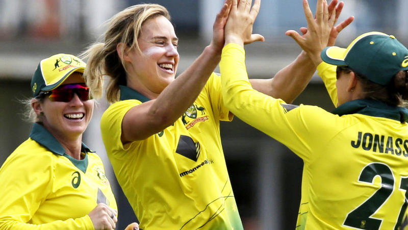 Ellyse Perry celebrates a wicket during the third one-day international of the women's Ashes series. (Photo by Henry Browne/Getty Images)