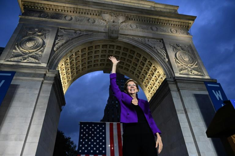La candidate démocrate Elizabeth Warren en meeting devant l'arche du parc de Washington Square, le 16 septembre 2019 à New York
