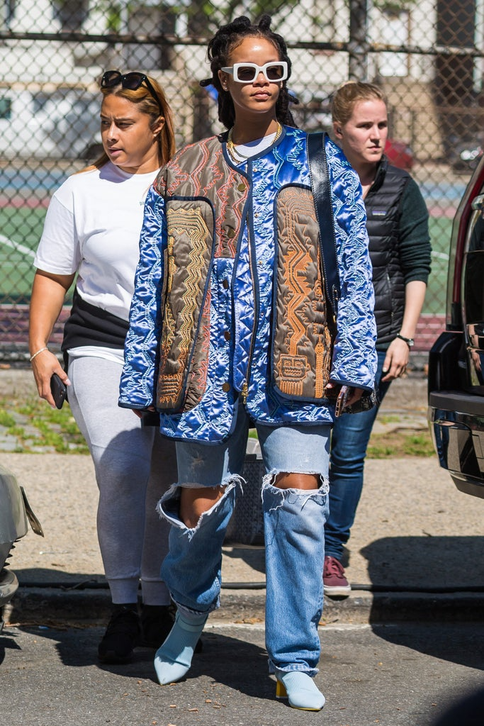 "<h2>Rihanna</h2><br>Square sunnies: check! <a href=""https://www.refinery29.com/en-us/womens-quilted-jacket"" rel=""nofollow noopener"" target=""_blank"" data-ylk=""slk:Quilted jacket"" class=""link rapid-noclick-resp"">Quilted jacket</a>: check! Pointed-toe boots: check! Now all you need to get Rihanna's laid-back look is a pair of baggy, ripped jeans. <span class=""copyright"">PHOTO: ALESSIO BOTTICELLI/GC IMAGES.</span>"