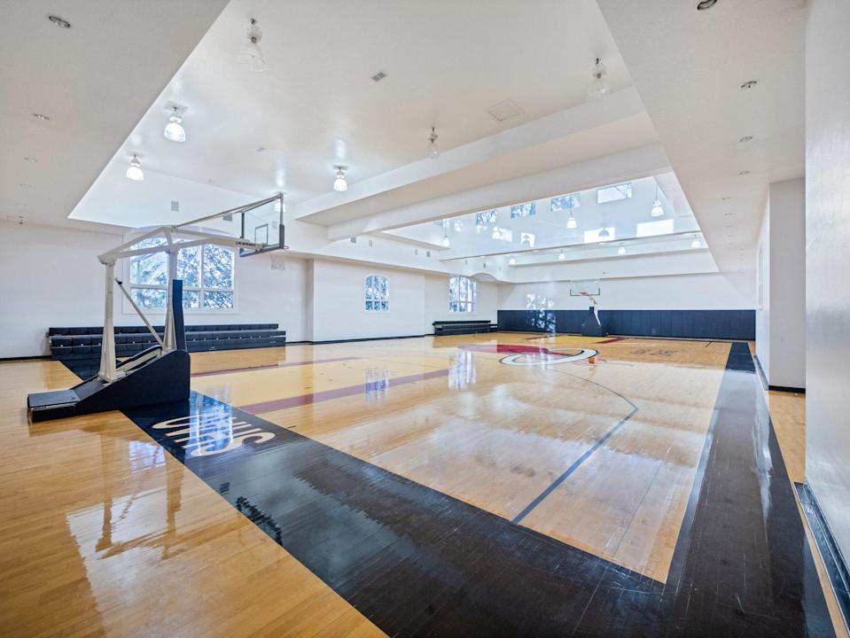 <p>Practice your moves in this 6,000-square-foot space.</p>