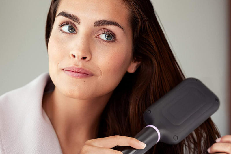 Une chevelure lisse en 5 minutes ? Promesse tenue ! (Photo : Philips/Amazon)