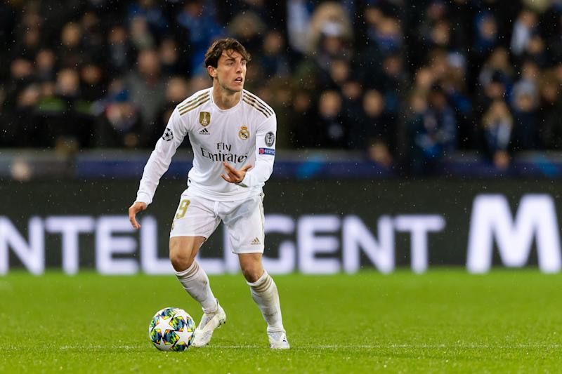 BRUGGE, BELGIUM - DECEMBER 11: (BILD ZEITUNG OUT) Alvaro Odriozola of Real Madrid controls the ball during the UEFA Champions League group A match between Club Brugge KV and Real Madrid at Jan Breydel Stadium on December 11, 2019 in Brugge, Belgium. (Photo by TF-Images/Getty Images)