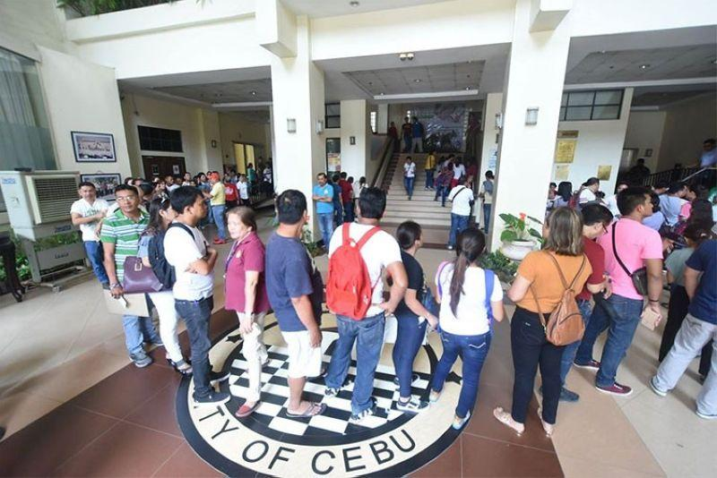 Bzzzz: 'Not yet normal' at Cebu City Hall? Depends on who's rating the casuals