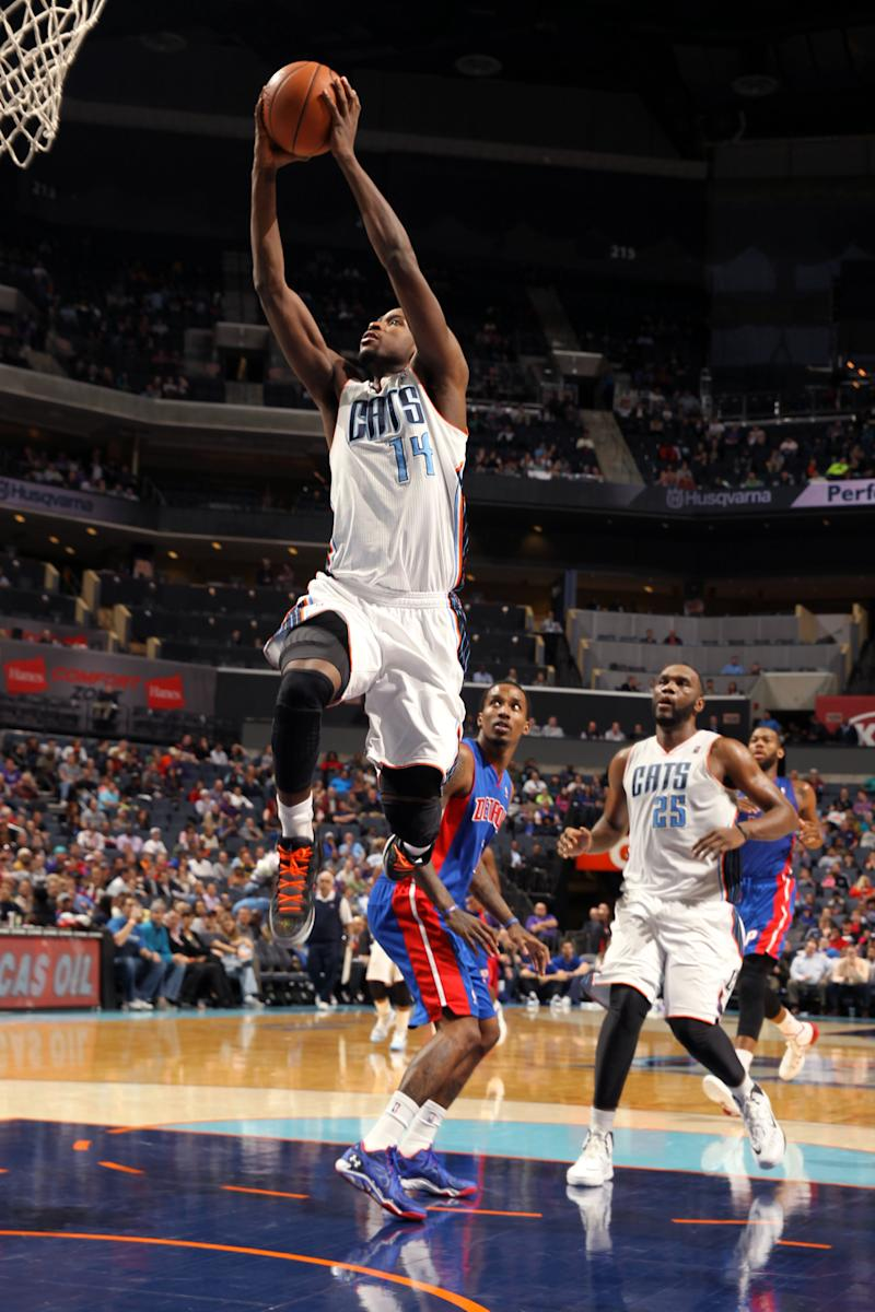 Jefferson leads Bobcats over Pistons again 116-98