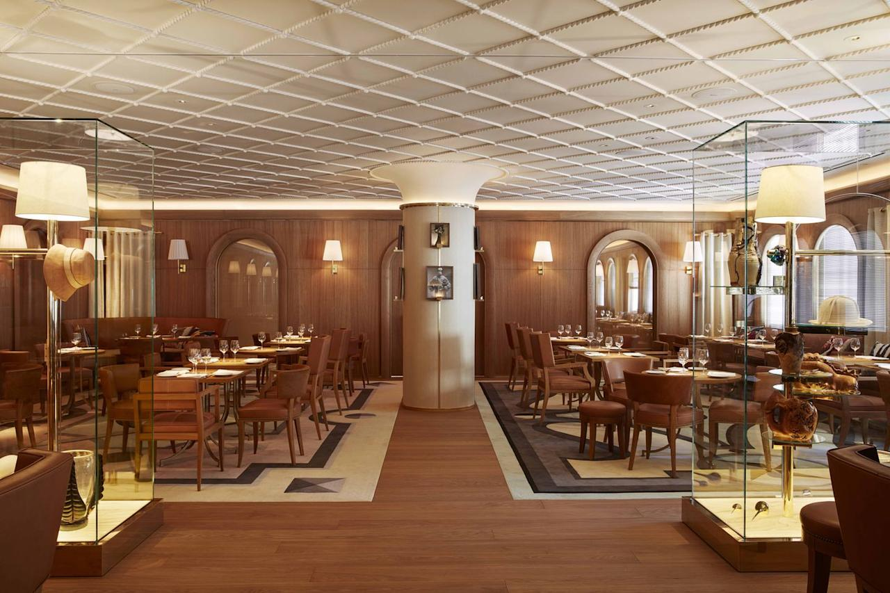 """<p>The <a href=""""http://www.avenue-restaurant.com/"""" target=""""_blank"""">8th arrondissement establishment</a> has been run for more than 20 years by Jean-Louis and Gilbert Costes, brothers who also founded the trendy <a href=""""https://www.townandcountrymag.com/leisure/travel-guide/a8909/hotel-costes-paris/"""" target=""""_blank"""">Hôtel Costes</a> in Paris.  The dining room, pictured here, seats 181.</p>"""