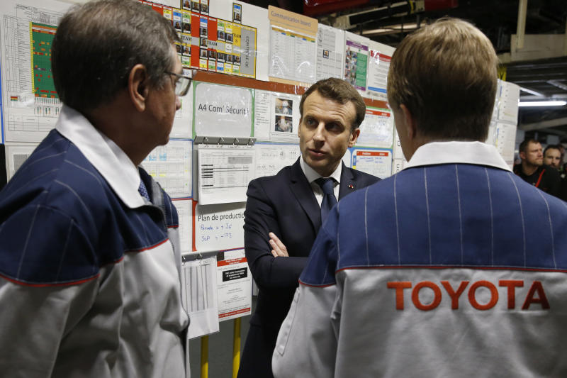 French president hosts 140 world business leaders