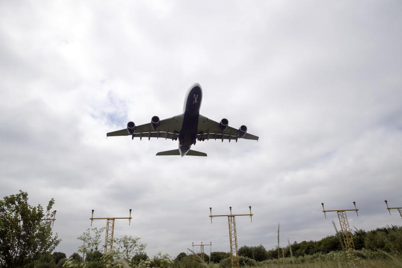 Delay misery for hundreds of London-bound airline passengers