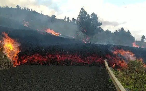 Cumbre Vieja volcano erupts on Spain's Canary Islands - Twitter