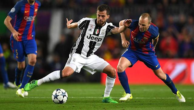 <p>For all the talk about Paulo Dybala, Gonzalo Higuain and Gianluigi Buffon, there remains a number of unsung heroes in this efficient Juventus side who deserve special praise for their efforts. </p> <br><p>Miralem Pjanic is not a household name, but the Bosnian was everywhere on Wednesday evening and probably spent half-time in the Barcelona dressing room such was his desire to keep a close eye on the opposition. </p> <br><p>Wherever Pjanic wasn't, one of Juve's centre backs was, as both Leonardo Bonucci and Giorgio Chiellini shut down the Blaugrana's attacks time and time again. </p> <br><p>They may not be the most attractive players in Allegri's XI, but make no mistake, all three are just as valuable to the team cause, even if some of their teammates regularly take the plaudits instead.</p>