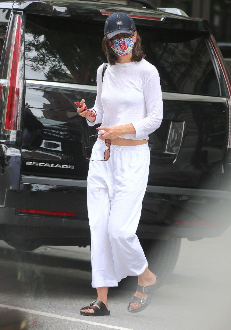 Katie Holmes steps out and about in New York, July 19. - Credit: AbacaPress/Splash News
