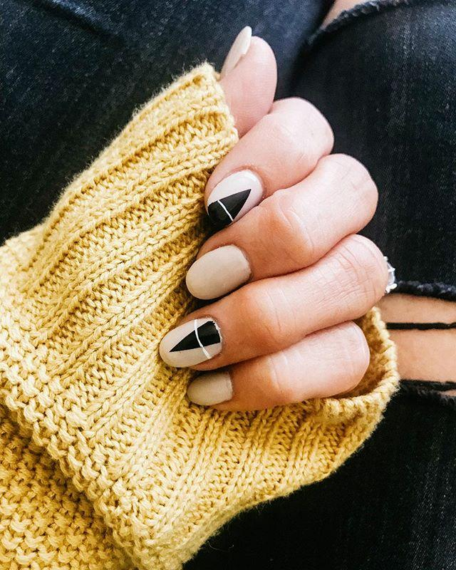 """<p><a rel=""""nofollow"""" href=""""https://www.instagram.com/p/BnCGmmoAN8z/?tagged=fallmanicure"""">See the original post on Instagram</a></p>"""
