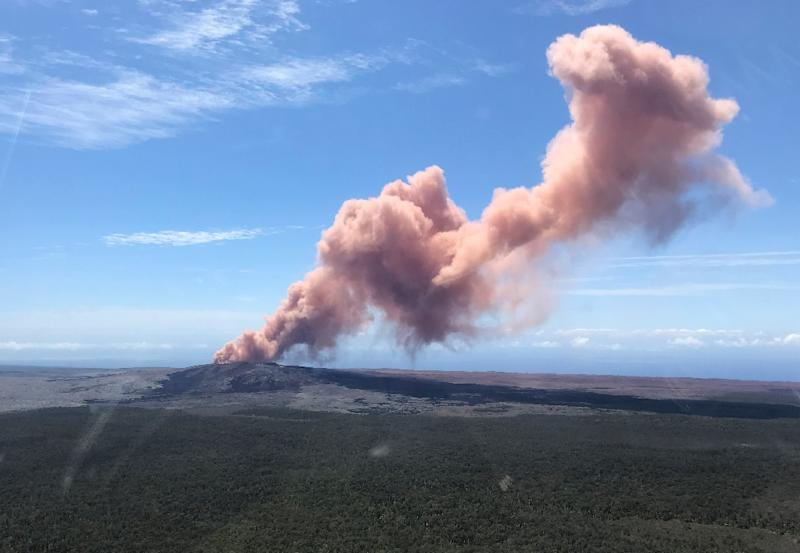 Thousands of people have been told to leave their homes on Hawaii's Big Island following the eruption of the Kilauea volcano (AFP Photo/Kevan Kamibayashi)