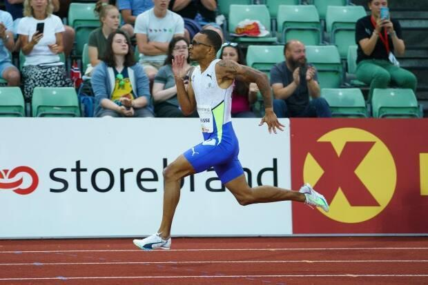 Canada's Andre De Grasse stormed to victory in the men's 200 metres with a winning time of 20.09 at the Olso Diamond League meet on Thursday. (Matthew Quine/@Diamond_League - image credit)