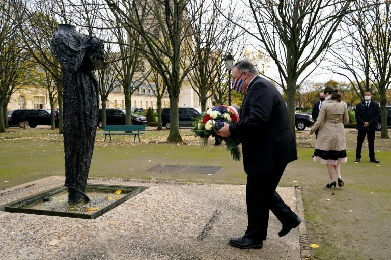 US Secretary of State Mike Pompeo lays a wreath in Paris for victims of jihadist attacks