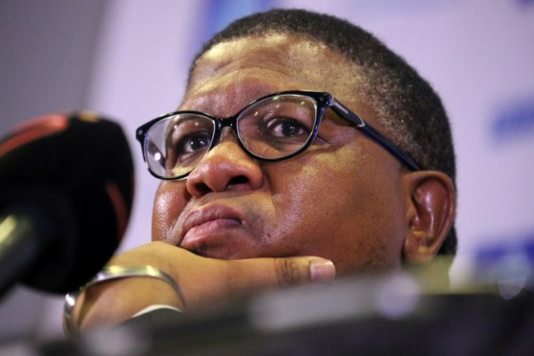 Former South African sports minister Fikile Mbalula is unhappy with the treatment of top-flight club coach Dan Malesela.