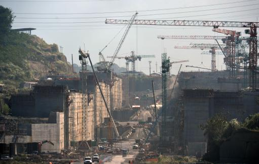 Completion date of Panama canal work at risk