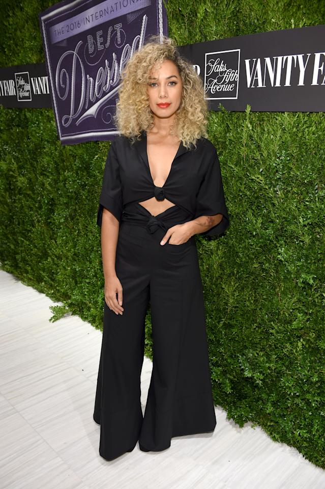 <p>The singer flaunted her taut tum in a knotted jumpsuit, featuring wide leg trousers.<i> [Photo: Getty]</i></p>