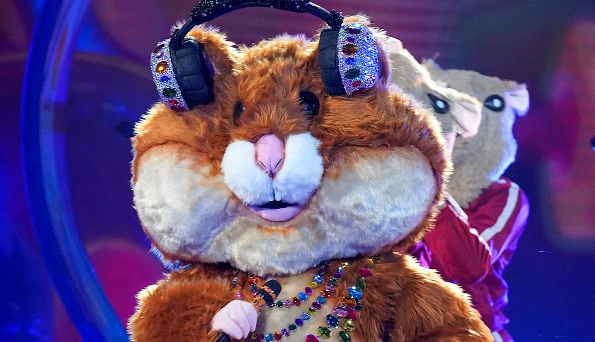 'The Masked Singer' Hamster is infamous 'Saturday Night Live' comic - Yahoo Entertainment