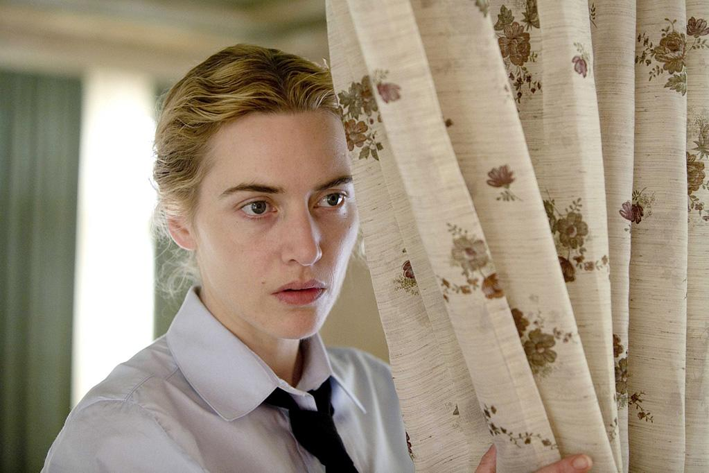 "1 NOMINATION -- <a href=""http://movies.yahoo.com/movie/1809942490/info"">The Reader</a>  Best Female Performance - <a href=""http://movies.yahoo.com/movie/contributor/1800019032"">Kate Winslet</a>"
