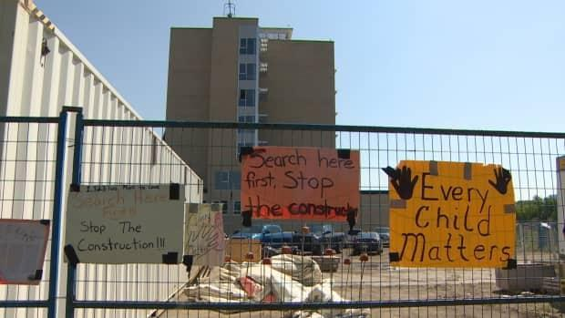 First Nation members have been calling for construction to stop at the former Camsell Hospital where many believe patients may have been buried.  (Nathan Gross/CBC - image credit)
