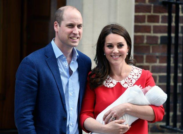 The Duke and Duchess of Cambridge leave St. Mary's Hospital with newborn Prince Louis on April 23, 2018.