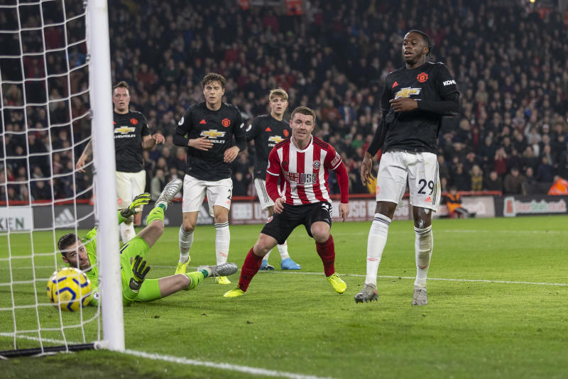 SHEFFIELD, ENGLAND - NOVEMBER 24: John Fleck of Sheffield United scores his side's first goal to make the score 1-0 during the Premier League match between Sheffield United and Manchester United at Bramall Lane on November 24, 2019 in Sheffield, United Kingdom. (Photo by Daniel Chesterton/Offside/Offside via Getty Images)