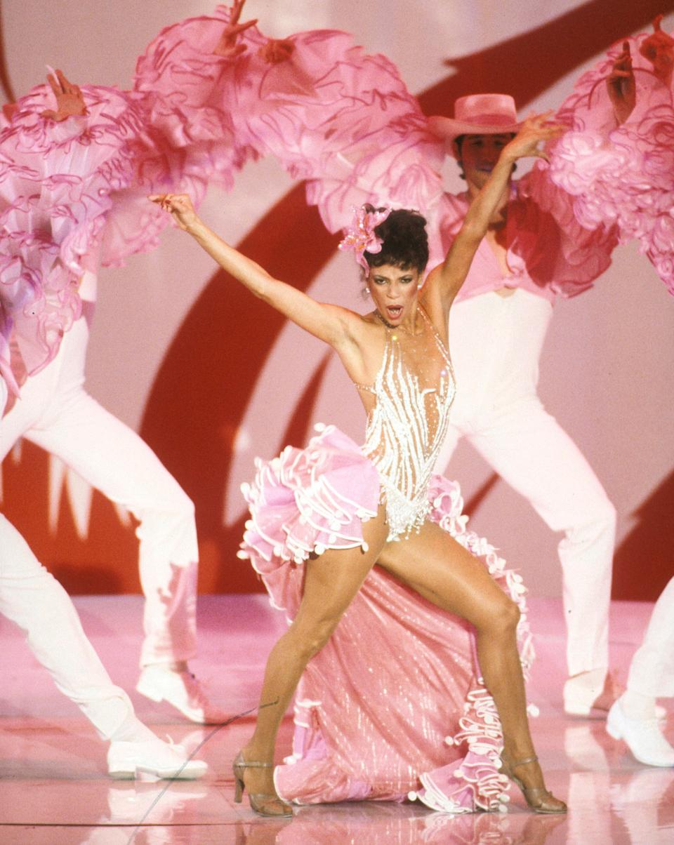 Allen performing at the Academy Awards on March 29, 1982. (Photo: ABC Photo Archives via Getty Images)