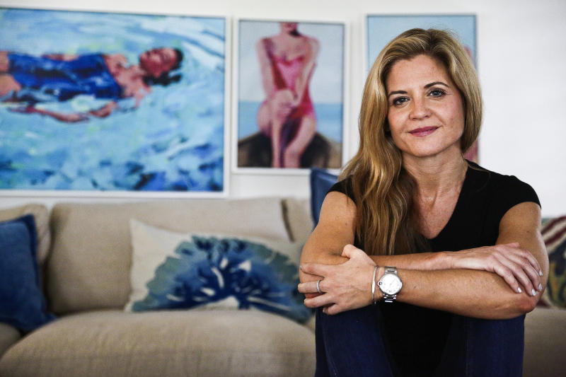 Glennon Doyle praised for getting real about the struggle of co-parenting after divorce.