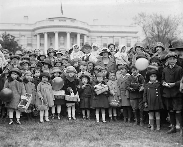 <p>A group of people gather on the lawn of the White House for the annual Easter Egg Roll, April 21, 1924, in Washington. (Photo: Library of Congress) </p>