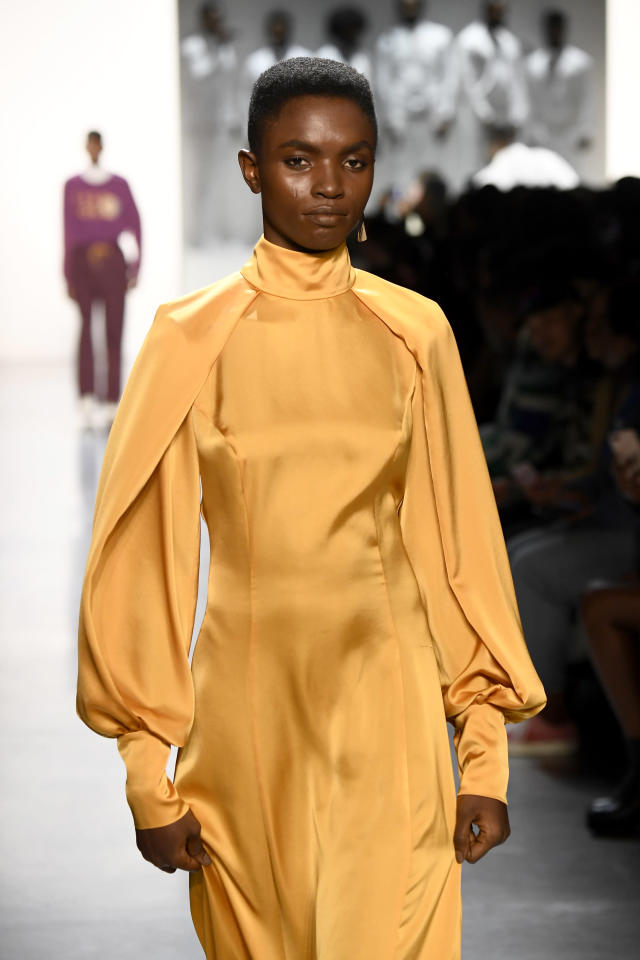 <p>The structure of this natural hairdo and the jet-black hue against the model's brown skin is wonderous. (Photo: Getty Images) </p>