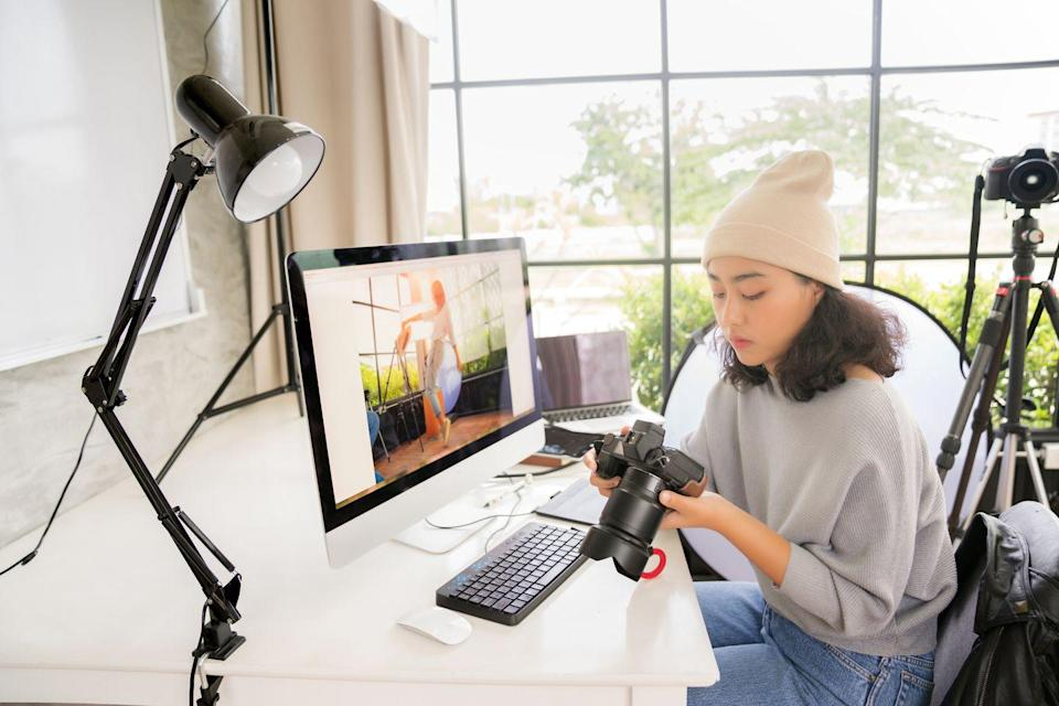 """<p>Michigan State University</p><p>Learn everything from camera control to principles of composition and creativity. </p><p><strong>Duration</strong>: Five courses</p><p><a class=""""link rapid-noclick-resp"""" href=""""https://go.redirectingat.com?id=127X1599956&url=https%3A%2F%2Fwww.coursera.org%2Fspecializations%2Fphotography-basics&sref=https%3A%2F%2Fwww.elle.com%2Fuk%2Flife-and-culture%2Fg32077844%2Fbest-online-learning-courses%2F"""" rel=""""nofollow noopener"""" target=""""_blank"""" data-ylk=""""slk:ENROLL FOR FREE"""">ENROLL FOR FREE</a></p>"""