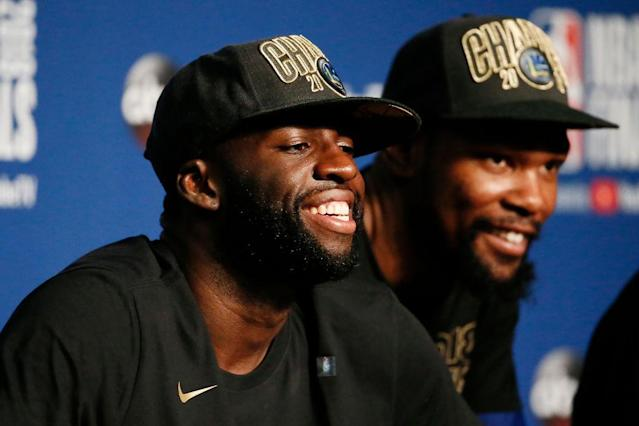 "<a class=""link rapid-noclick-resp"" href=""/nba/players/5069/"" data-ylk=""slk:Draymond Green"">Draymond Green</a> smiles like a man who's got his outfit for Tuesday all picked out. (Getty)"