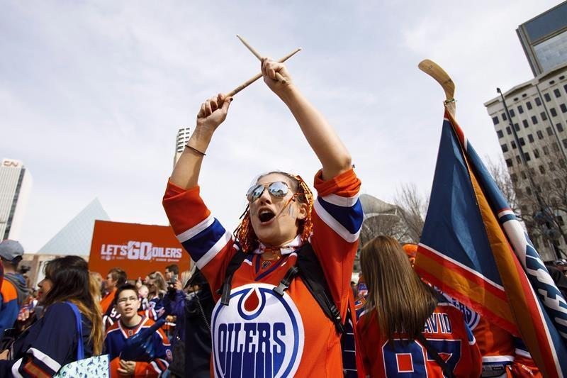 As postponed NHL season resumes, some fans say the lure of parties will be strong