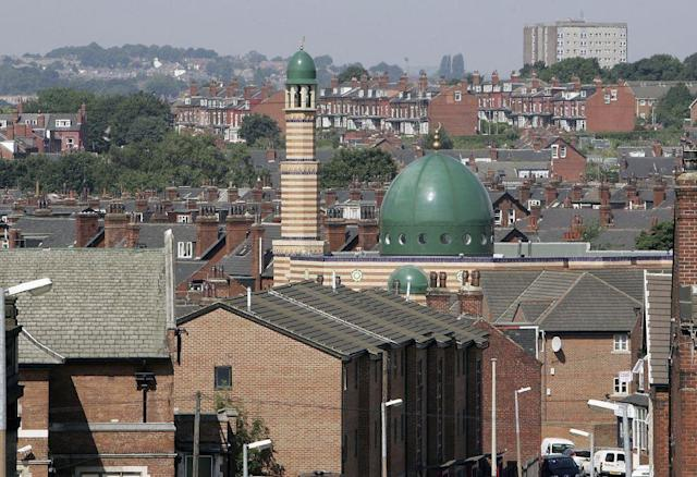 <b>LEEDS, UNITED KINGDOM:</b> The Leeds Grand Central Mosque looms above the city's Burley area.