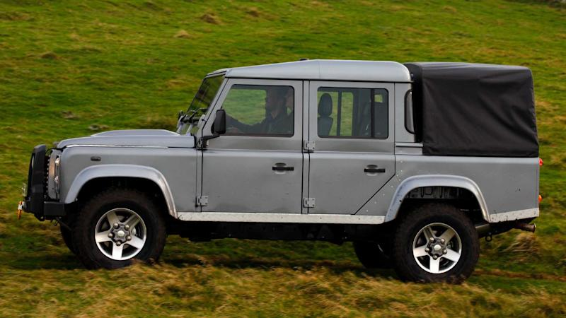 Land Rover Truck >> Land Rover Defender Truck Possible With Help From Another Automaker