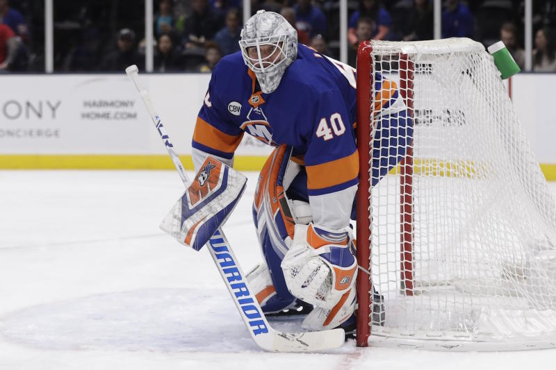 Islanders add Semyon Varlamov to replace Robin Lehner