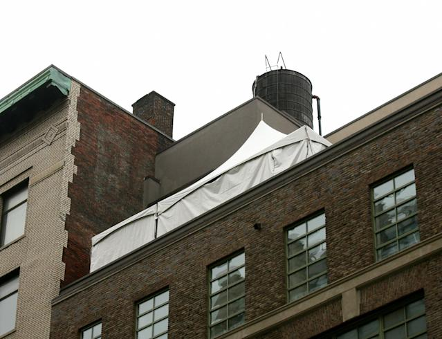 A tent popped up on the roof of Jay-Z's apartment on April 4, 2008. (Photo: Splash News)