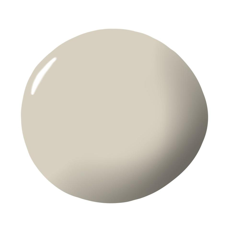 """<p>""""I love to mix this with the center panel with the trim in white surrounding it. It creates a modern look that's rooted in tradition. I've also used it in a beach house, because it's soft and light reflects into it. The color draws into the color of the sand."""" — <em><a href=""""http://juanmontoyadesign.com/"""" target=""""_blank"""">Juan Montoya</a></em></p><p><a class=""""body-btn-link"""" href=""""https://www.farrow-ball.com/en-us/paint-colours/shaded-white"""" target=""""_blank"""">Shop Now</a></p>"""