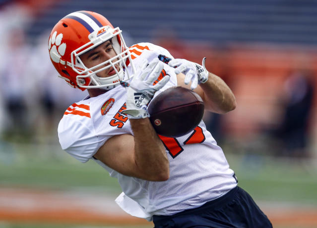 Clemson wideout Hunter Renfrow of Clemson (13) catches a pass during practice for Saturday's Senior Bowl college football game. (AP)