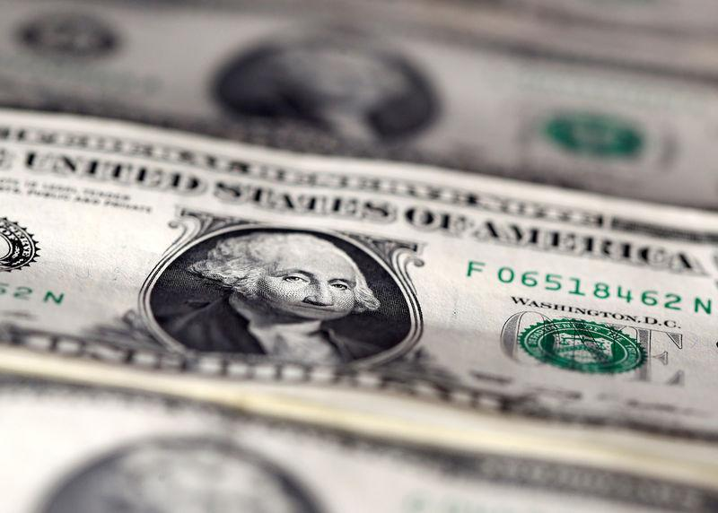 Dollar rises as 'Phase One' U.S.-China trade deal remains elusive
