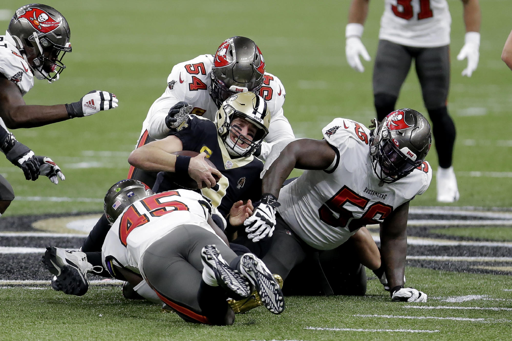 Drew Brees' career possibly ends with more Saints playoff sorrow as Tom Brady and Bucs move on