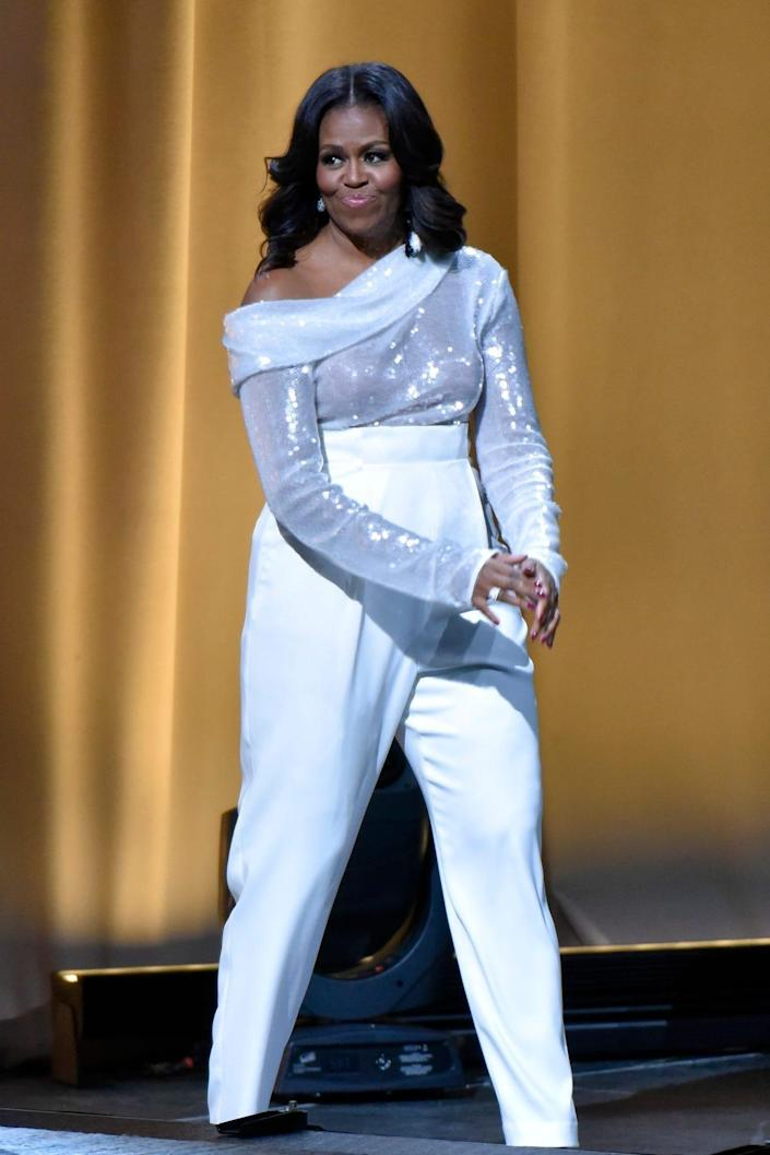 michelle obama white look in 2018