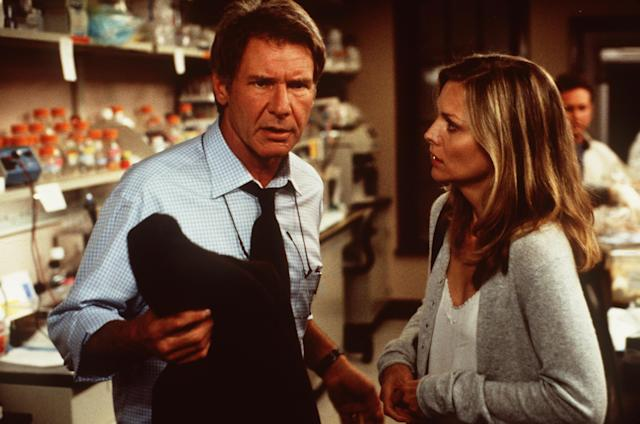 Norman (Harrison Ford) and Clair Spencer (Michelle Pfeiffer) try to unravel mysterious events in <em>What Lies Beneath</em> directed by Robert Zemeckis. (Getty Images)