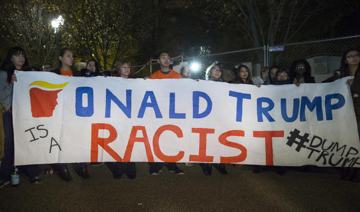 <p>Immigrants protest against Republican presidential candidate Donald Trump on Pennsylvania Avenue outside the White House, after midnight at the end of election day in Washington, D.C., Nov. 9, 2016. (Photo: MICHAEL REYNOLDS/EPA) </p>