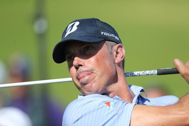US golfer Matt Kuchar drives on the third hole in round two of the Genesis Invitational at The Riviera Country Club in Pacific Palisades, California, USA, 14 February 2020. (Estados Unidos) EFE//DAVID SWANSON