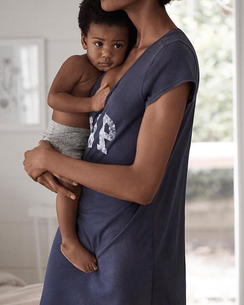 In Gap Has Ad The And New A Woman Huge Instagram Breastfeeding Shows Been Response