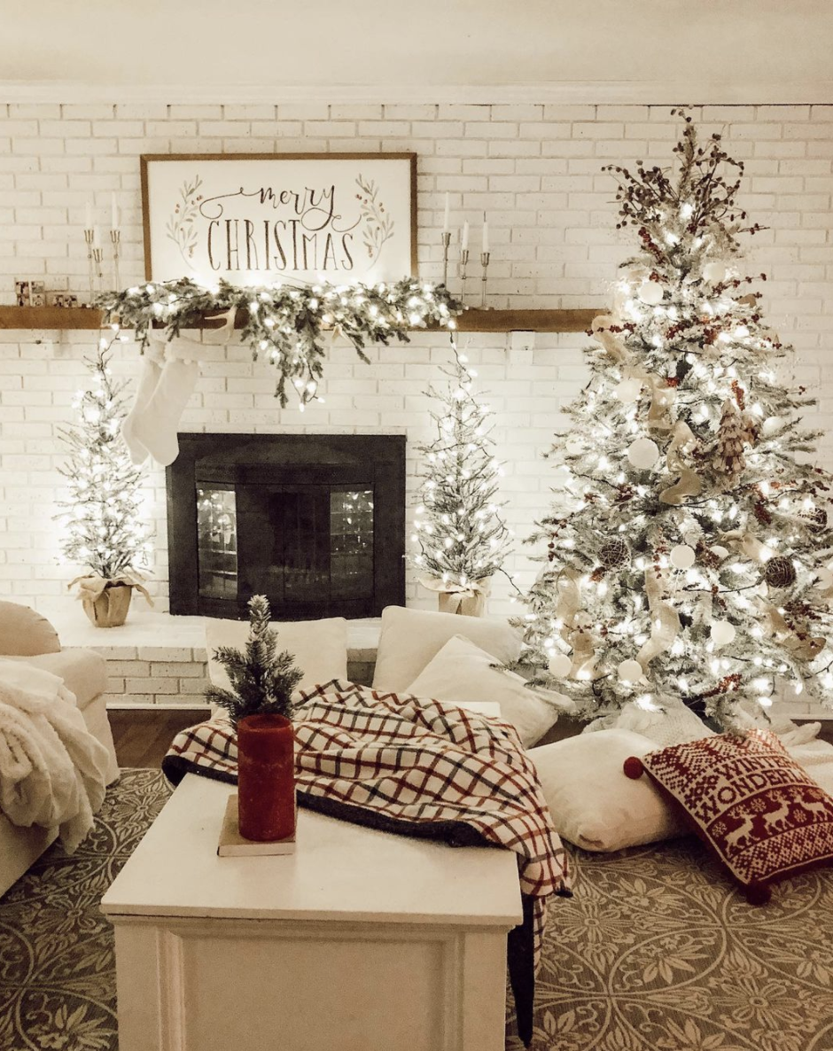 "<p>Just imagine how cozy your space will feel at night if all of your mantel decor is decked out with twinkling white Christmas lights. </p><p><em>See more at <a href=""https://www.instagram.com/p/B6UTTsfn6Ui/"" rel=""nofollow noopener"" target=""_blank"" data-ylk=""slk:marlydice"" class=""link rapid-noclick-resp"">marlydice</a>.</em></p><p><a class=""link rapid-noclick-resp"" href=""http://amazon.com/Prextex-Christmas-Clear-White-Decorations/dp/B075MNL1RW?tag=syn-yahoo-20&ascsubtag=%5Bartid%7C10072.g.34484299%5Bsrc%7Cyahoo-us"" rel=""nofollow noopener"" target=""_blank"" data-ylk=""slk:SHOP STRING LIGHTS"">SHOP STRING LIGHTS</a></p>"