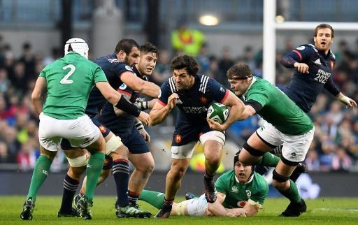 Peerless Sexton guides Ireland to France rugby win
